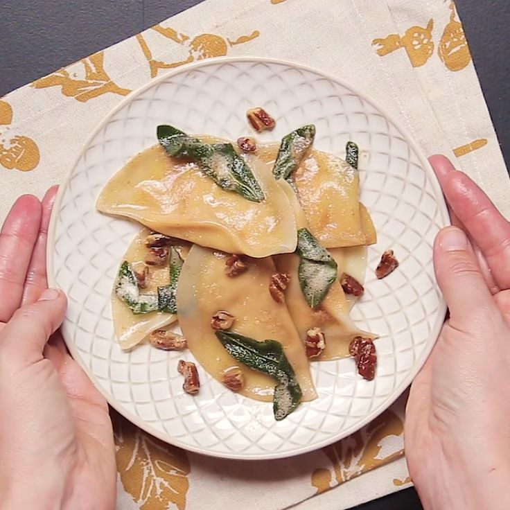 How to make pumpkin ravioli.