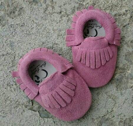 Hey, I found this really awesome Etsy listing at https://www.etsy.com/ca/listing/261403991/suede-leather-baby-moccasins-purple-baby