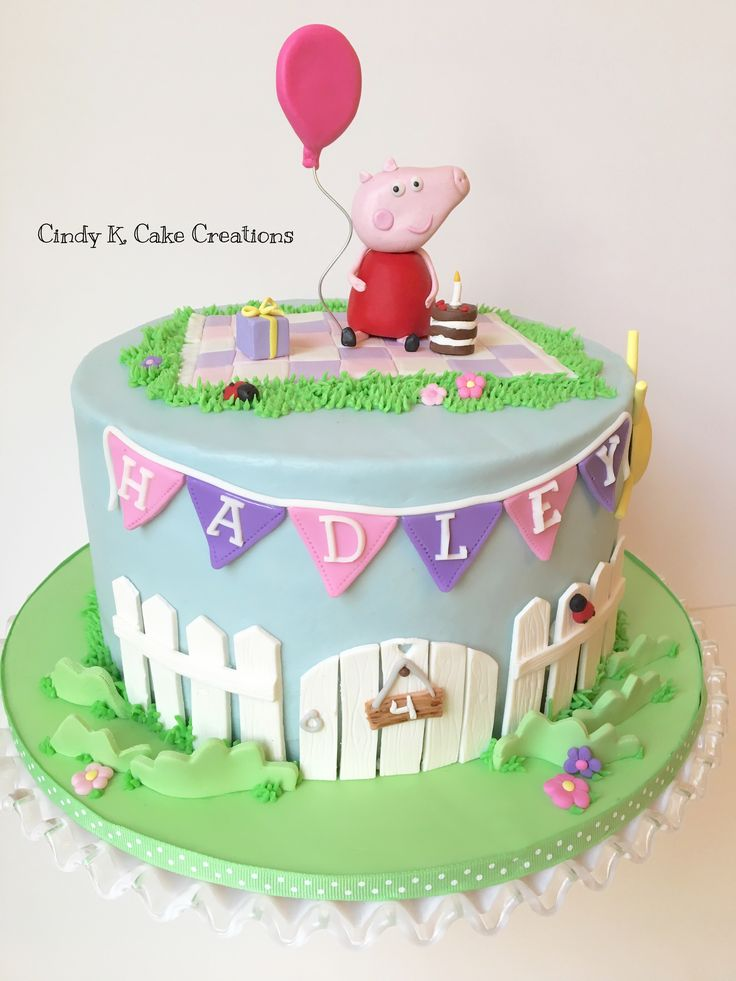 Buttercream Peppa pig cake with Fondant details. By: Cindy K. Cake Creations