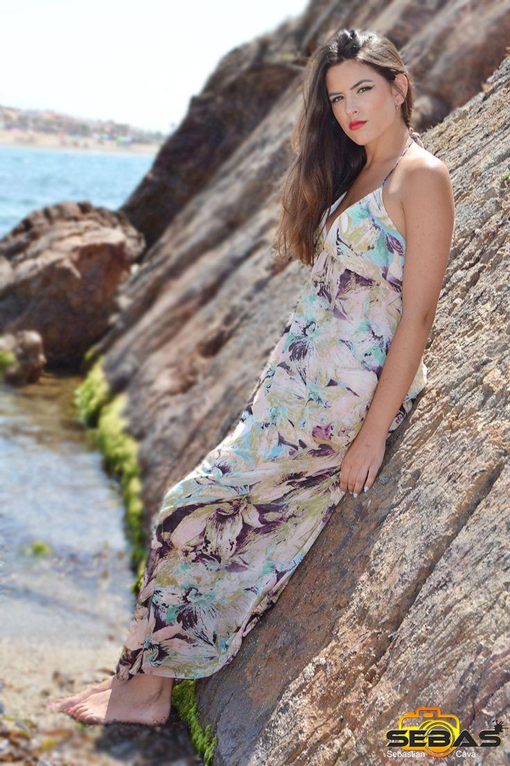 Seguimos con otro precioso vestido estampado con flores para este veranito. #vestidosverano #vestidoflores #veranito  http://blog.dicompra.com/vestido-de-flores-estampado/