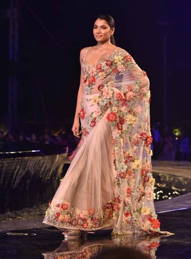 9a093c69d2fa64 Saree Blouse Designs for 2019: Latest Blouse Trend Forecast: From Manish  Malhotra to Sabyasachi