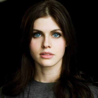 Alexandra Daddario as Avery Lazar in VA (and she'll ACTUALLY need to stay brunette for this role.)