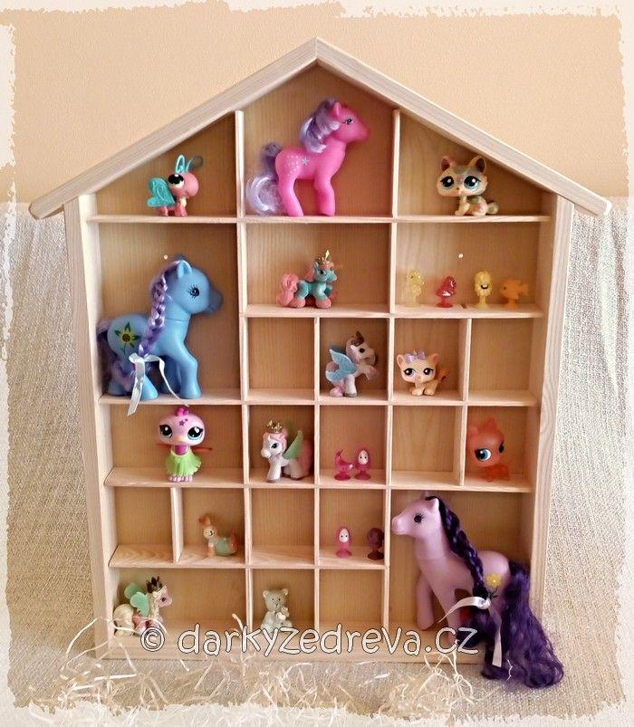 Dřevěné výrobky do bytu | Dřevěné poličky | Polička na miniatury domeček | Dřevěné dárky a výrobky