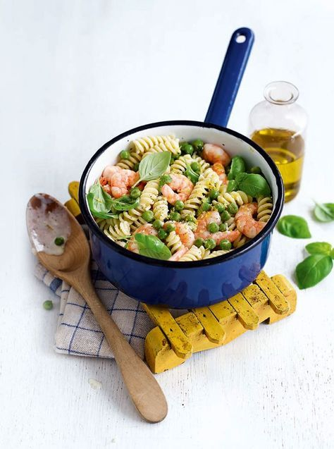 A quick and easy pasta recipe served with prawns, peas and lemon crème fraîche.
