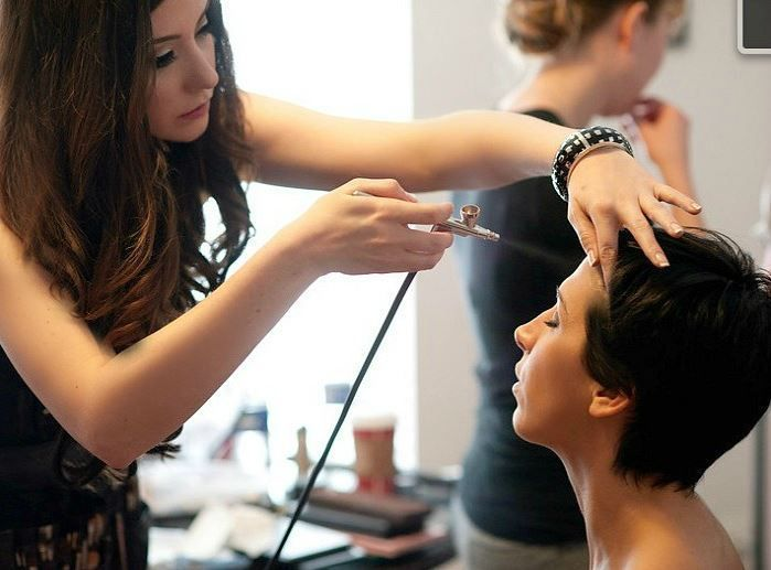 Airbrush Wedding Makeup: What You Need to Know. Airbrush is an option when choosing Divaz Fabula. Check our website for prices.  www.divazfabula.com