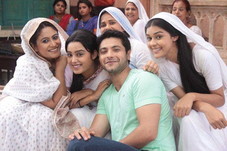 Ishq Ka Rang Safed is an Indian television drama series that premiered on 10 August 2015 on Colors TV. The show portrays the story of a young widow, Dhaani and a boy Viplav who falls in love with her and goes against the orthodox views of society to marry her. Ishq Ka Rang Safed : Candid Moments From The Sets!...  Read More