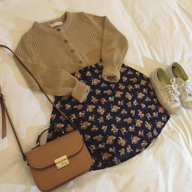 Korean fashion - brown cardigan, navy floral skirt, sneakers and brown bag