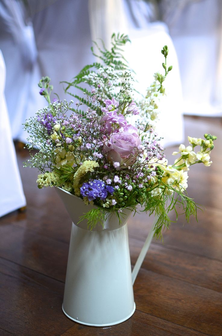 pretty DIY wedding flowers
