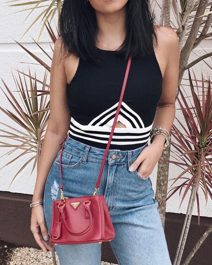 """254 curtidas, 6 comentários - Jessica (G) Flores (@jessicaflores) no Instagram: """"Detalhes 🖤💙 Viciada nessa calça! Alguém interdita ela porque não consigo parar de usar 😂 #looksdaG"""""""