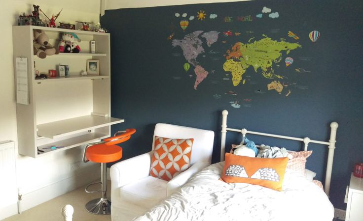 child's bedroom with folding desk