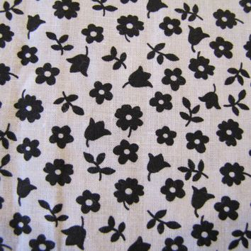 Vintage Black and White Calico Fabric, Floral Fabric, Cotton Fabric, Flower Fabric, Black, Calico, Quilters Weight, Black and White