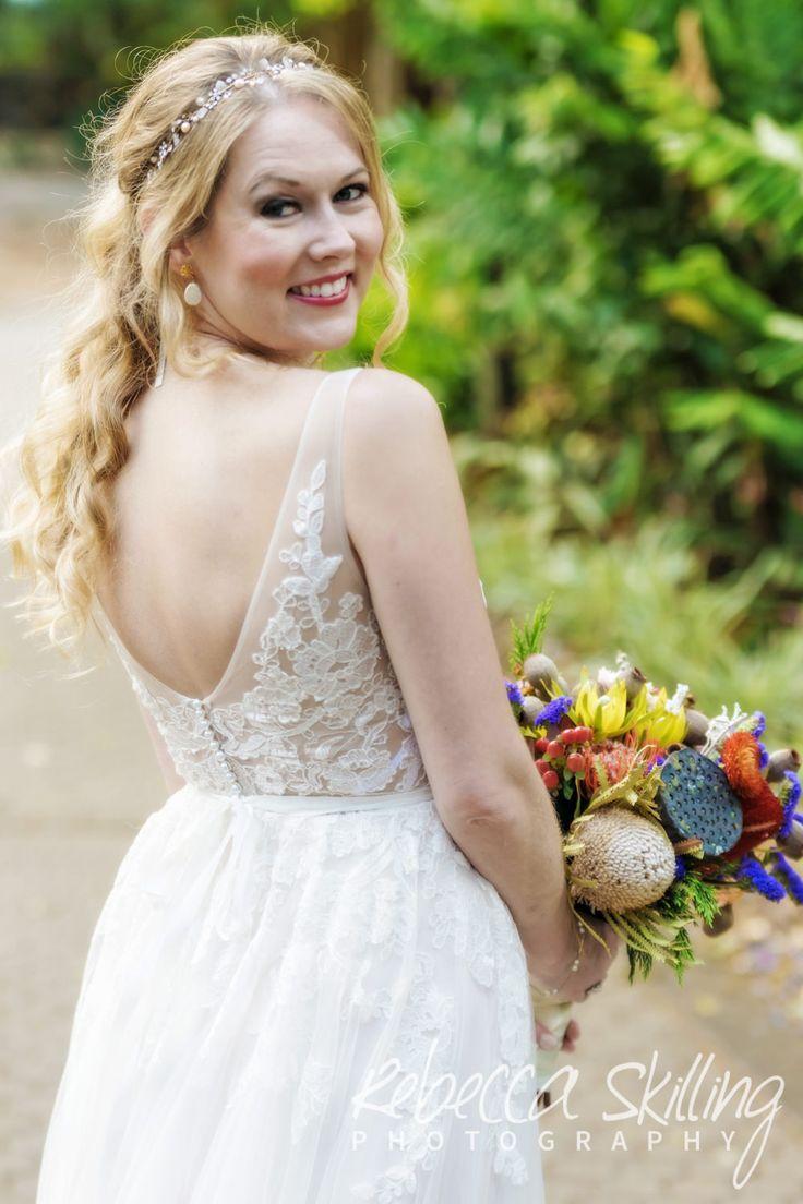 Beautiful bride in the City Botanic Gardens. #citybotanicgardens #beautifulbrides #Brisbane #weddingphotography #naturalbeauty