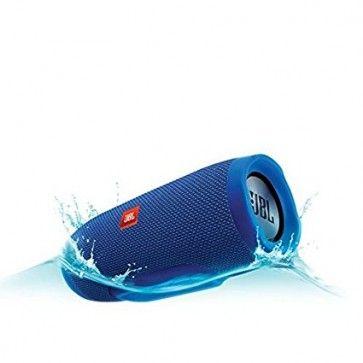 Caixa de Som Flutuante para Piscina Bluetooth à Prova d'água JBL - Azul  JBL Charge 3 é o alto-falante portátil de alta potência com poderoso som estéreo e um banco de energia em um único pacote.