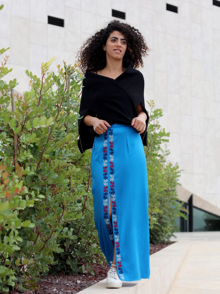 Yaffa maxi skirt with middle slit; hand embroidery