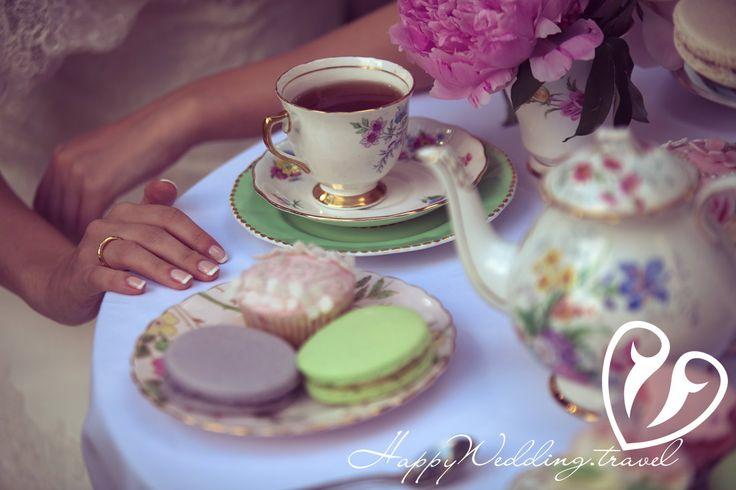 wedding cupcake, cake pops, macaroons, капкейк, кейк попс, макарон на свадьбе в Чехии/ Фотограф Скргей Секуров, Wedding sweets, tea party, wedding tea party, свадебное чаепитие