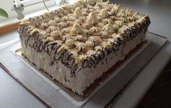 Fødselsdagslagkage med vaniljecreme og jordbærmousse