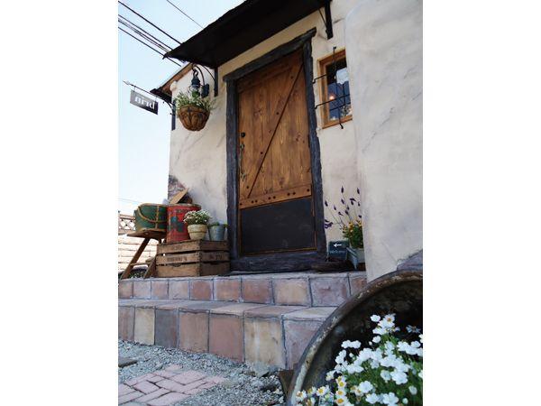 三郷市 お店のイメージに合うオシャレな小屋の増築:ショップ入口