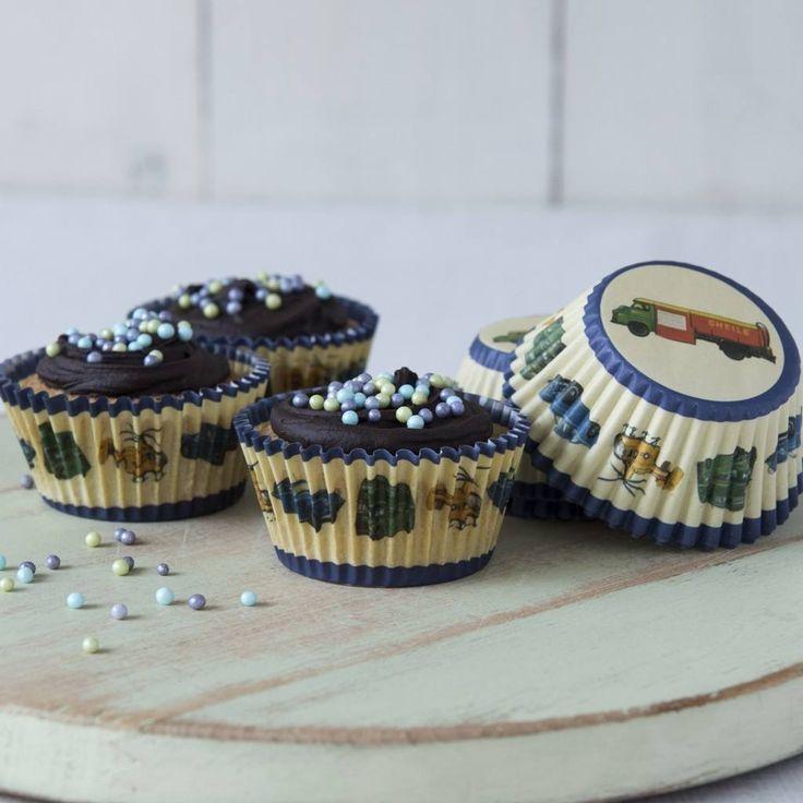 Engeltjes & Draken   Rexinter   Cupcake vormpjes transport Engeltjes & Draken   Rexinter   Cupcake vormpjes transport #cupcake #muffin #trakteren #cakejes #uitdelen #kinderpartijtje #partijtje #traktatie #jongen #voertuigen #auto #transport