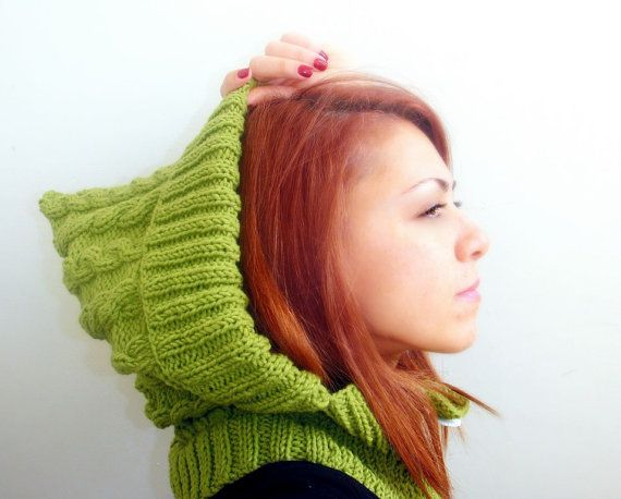 SHOP/ WINTER CLEARANCE Hooded scarf cowl hand knitted in by Kikoa, €40.00