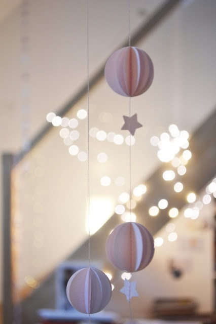 LES POMMETTES DU CHAT cute contemporary , minimal christmas hanging decorations just need thick paper and thread and combine with tiny clear led fairy light feature as above the stars and the moon a winters tale