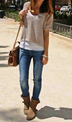 Skinny jeans + short boots.