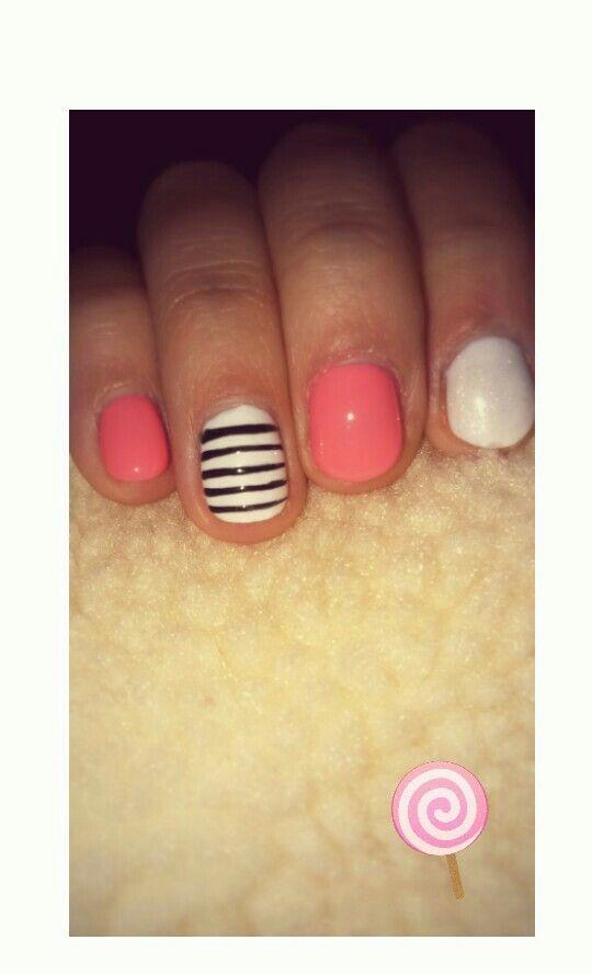 Pinky pie #nails #pink #white #stripes