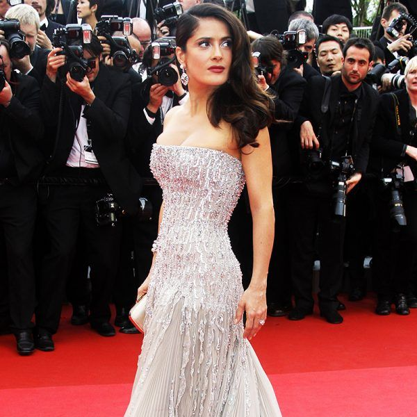 Here, the recipe even Salma Hayek swears by and your fresh start to younger-looking skin ahead.