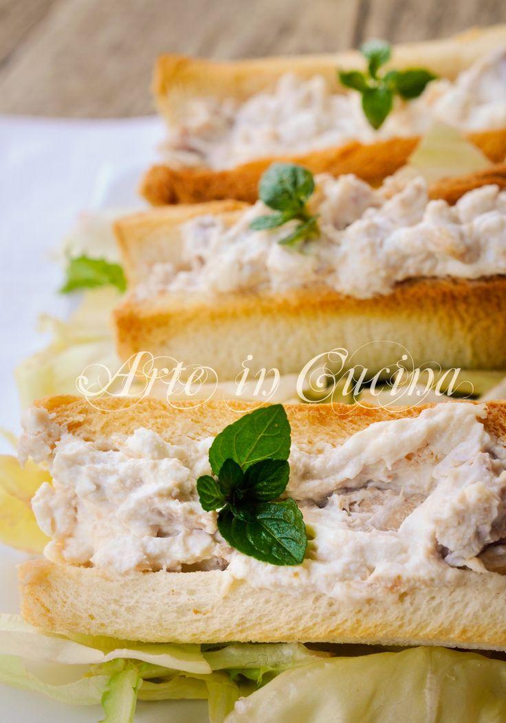 Barchette di pancarrè con tonno e ricotta