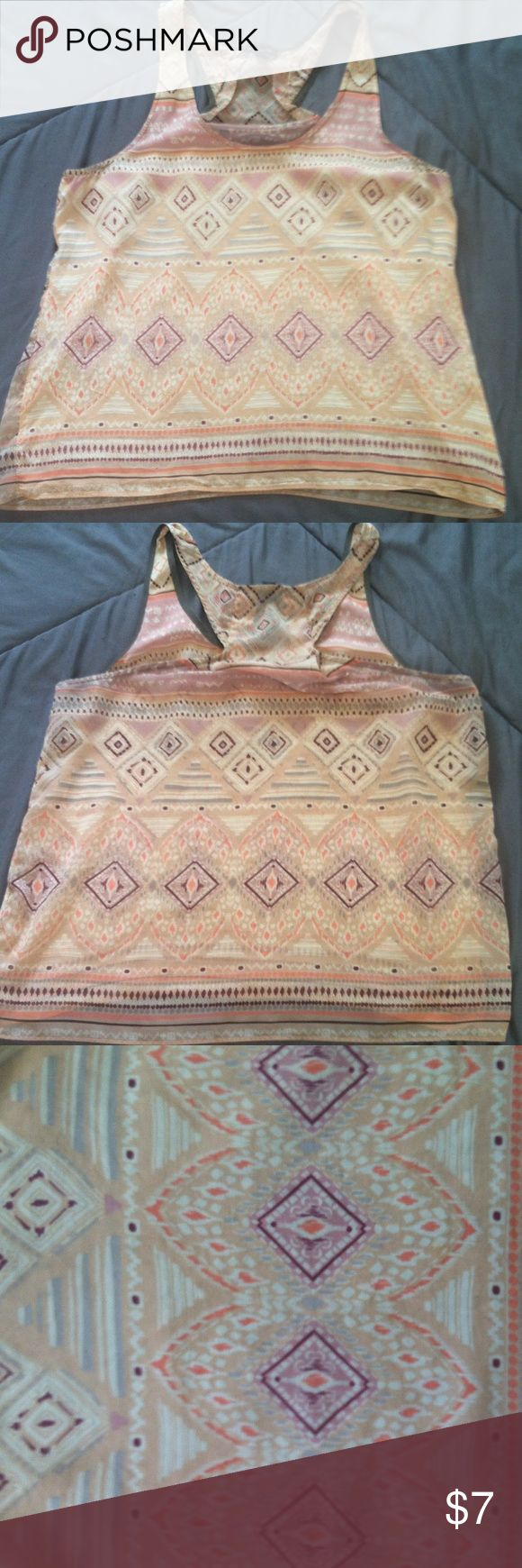 LAST CHANCE!! American Eagle Tank beautiful shirt great condition worn a few times American Eagle Outfitters Tops Tank Tops