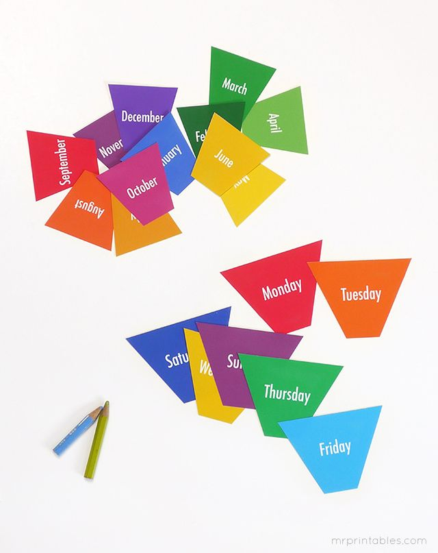 Days of the week & Months of the year flash cards (available in English, Spanish, French)