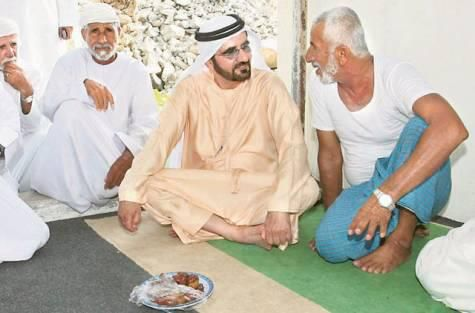 HH sheikh Mohammed Bin Rashid Bin Saeed Al Maktoum speaks to national fishermen, Fujairah