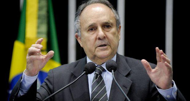 Seis senadores entregam carta a Dilma com sugestões para superar a crise | Senadores