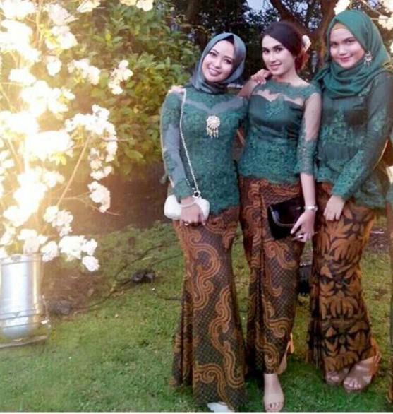 desain kebaya seragam cantik untuk pesta nikah