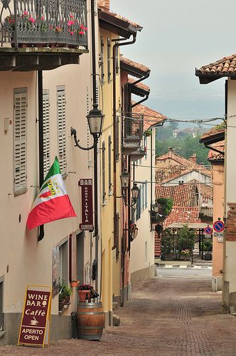Wine Bar & Cafe, Cherasco, Piedmont, Italy