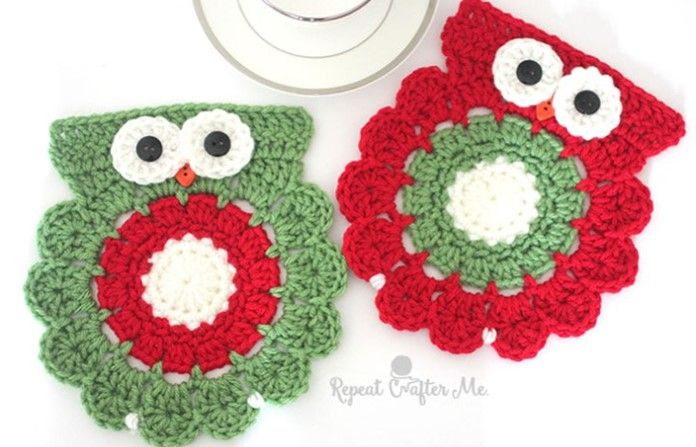 These lovely Christmas crocheted owl coasters will bring a bit of fun to your table this Christmas. You could also turn these great coasters into ...