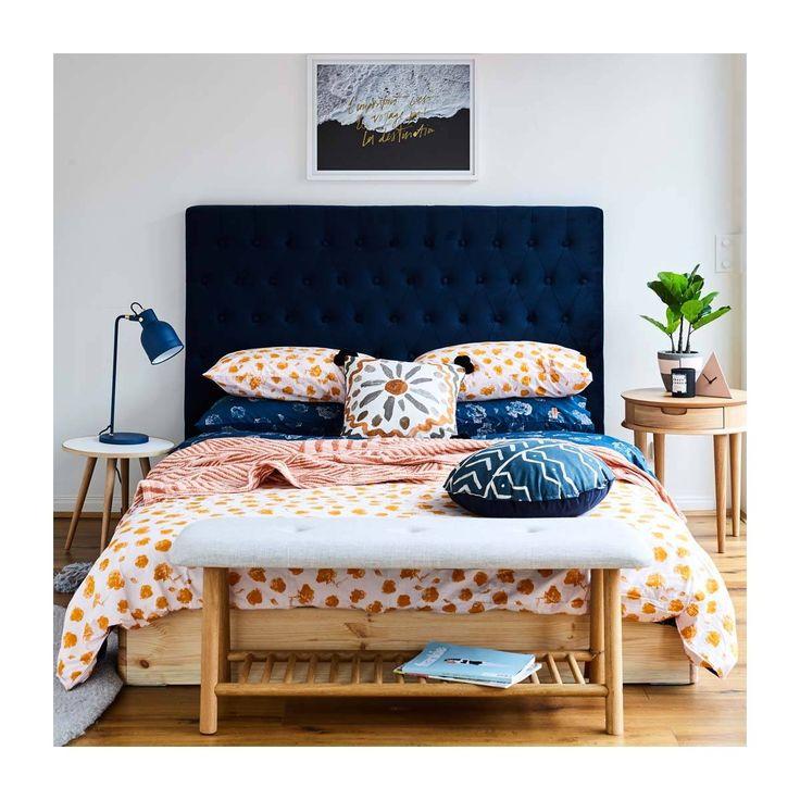 Best Isabelle Velvet Queen Bed Head Blue In 2020 Blue 640 x 480