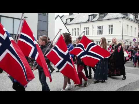 17.mai 2016 in Ålesund <3 Taped a Vlog last May 17 for Norway's national day or 17 mai. Let's take a look at the parade in Ålesund, Norway where lots of happy kids celebrate their freedom. There's lots of food (mat, frokost, kake), beautiful outfits, lots of bunad (traditional costume in Norway), and cutie kids for their parade. | carenshope.com
