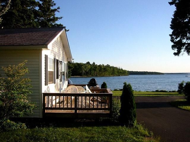 Cottage Rentals Bar Harbor, Maine. Lakeside Cabin Rentals near Acadia National Park. Seaside Cottages, Bar Harbor Maine