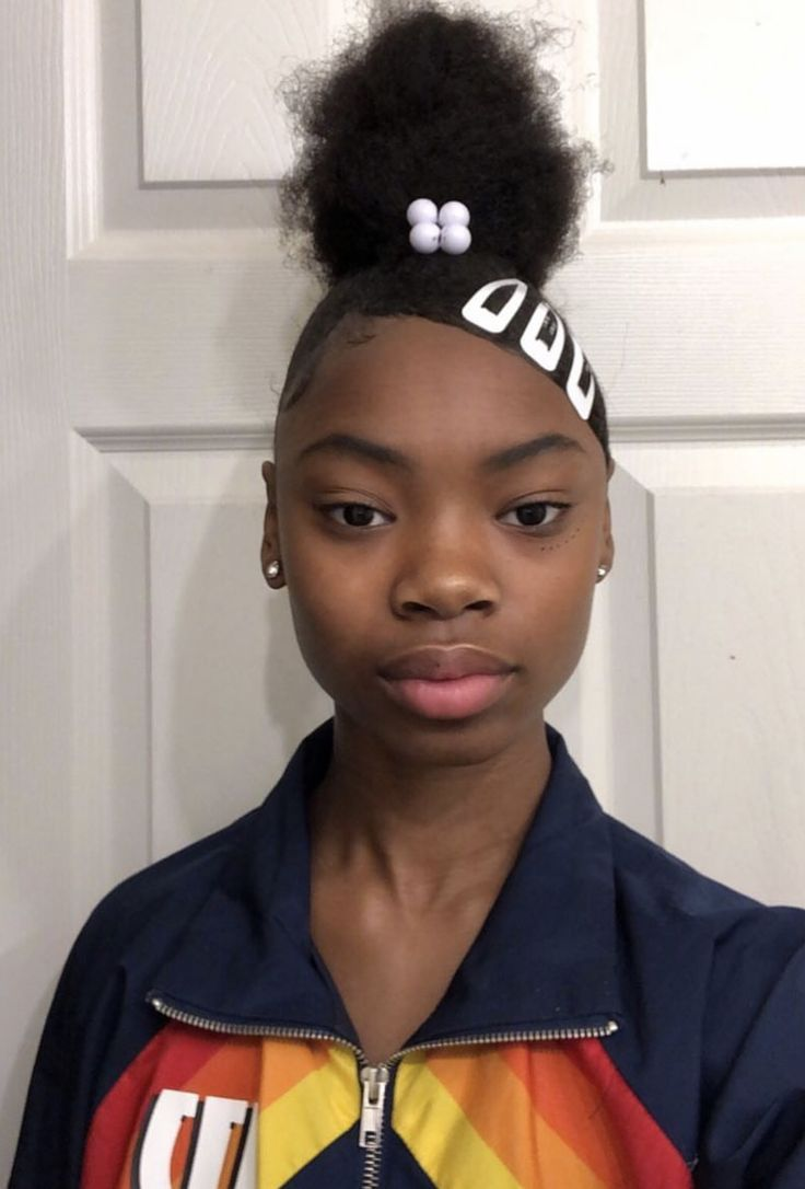 top knot w/ swoop 😍   Natural hair styles for black women ...