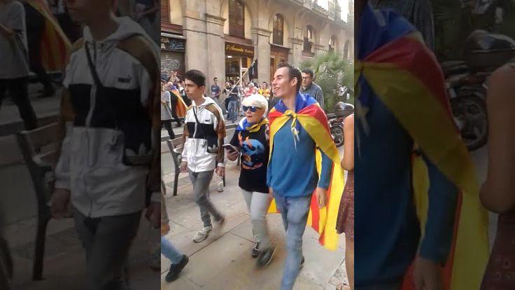 Catalonia is independent of Spain.加泰羅Каталония становится независимой от...