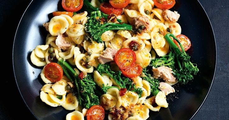 Cherry tomatoes and broccolini will brighten up your tuna orecchiette for a simply irresistible dinner that takes almost no time to prepare!