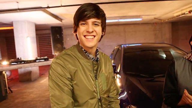 #MannequinChallenge aceptado.  #BTS de nuestro nuevo video  con @ToyotaLatino y Corolla. #ManejaTuVida #ad  #Repost @toyotalatino ・・・ @cncomusic aceptó nuestro #MannequinChallenge. #BTS de su nuevo video con Corolla. #ManejaTuVida  ❤️