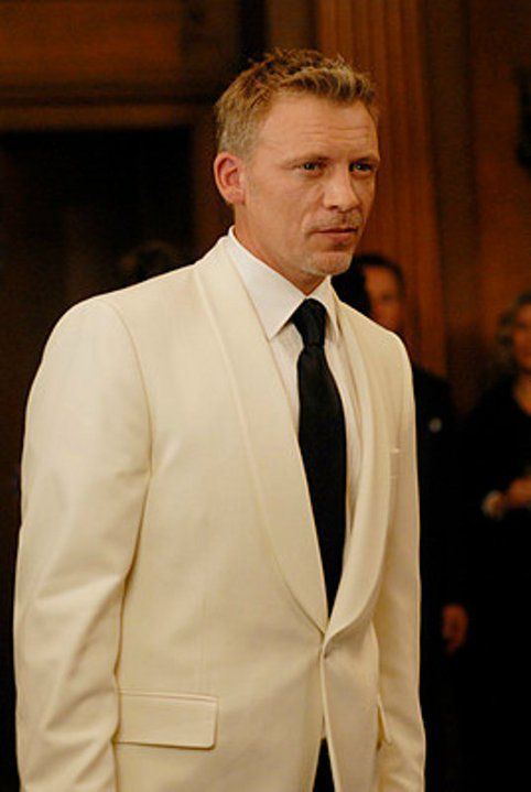 Callum Keith Rennie; Bionic Woman, so damn dapper.
