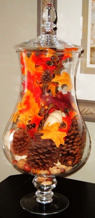 Prettier container, do holly berries & leaves w/pine cones for Christmas.: