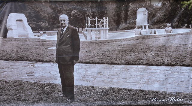 BAGNI MISTERIOSI di Giorgio De Chirico - Milano, Parco Sempione 1973