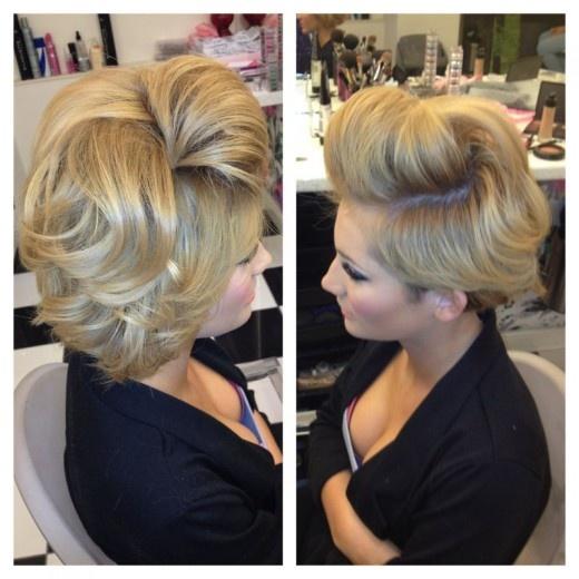 32 Best Kelly Carlson Images On Pinterest Hair 25 Bob Updo