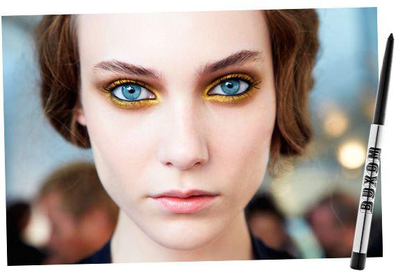 stunning golden eyes :)