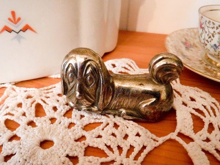 Vintage brass dog / vintage brass statue / brass figurine / dog statue / tiny dog / brass basset hound / brass knick knack / brass statuette by GrandmasOldStories on Etsy
