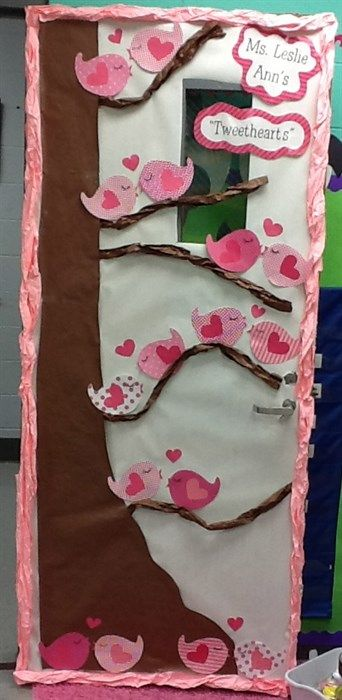 """Tweethearts"" Super Cute Valentine's Day Door Display!"