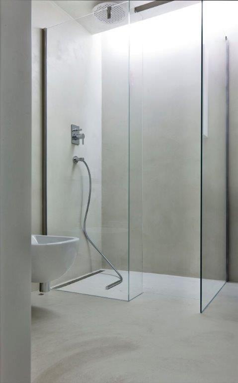Beton w łazience / beton na ścianie / beton na podłodze / powłoka cementowo-polimerowa HD Surface / Kopp